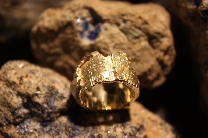 Mayen-Ring in Gold mit Brillianten