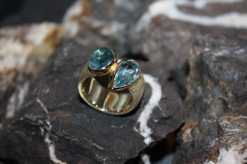 Aquamarin-Gelbgold-Ring