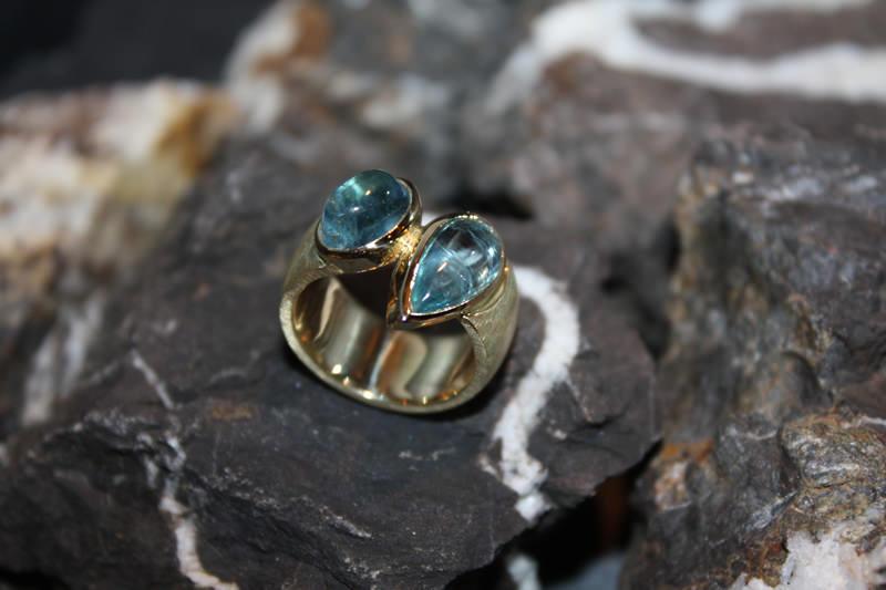 Aquamarin-Gelbgold-Ring